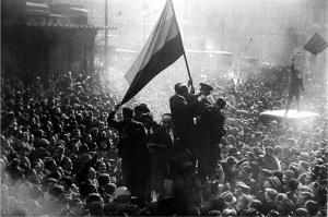 14-abril-1931-proclamacic3b3n-de-la-segunda-repc3bablica-en-la-puerta-del-sol-de-madrid-por-alfonso-sc3a1nchez-portela